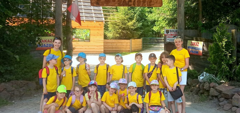 Wycieczka klasy 1b doMini Zoo